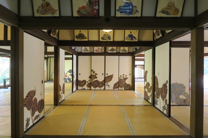 Entering Shōren-in